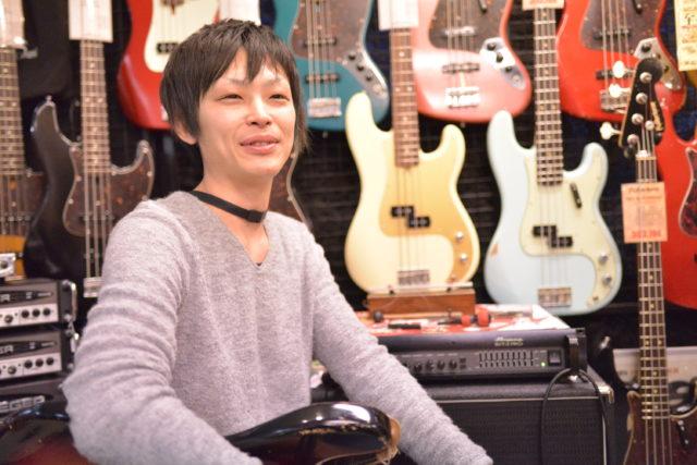 楽器店 仕事
