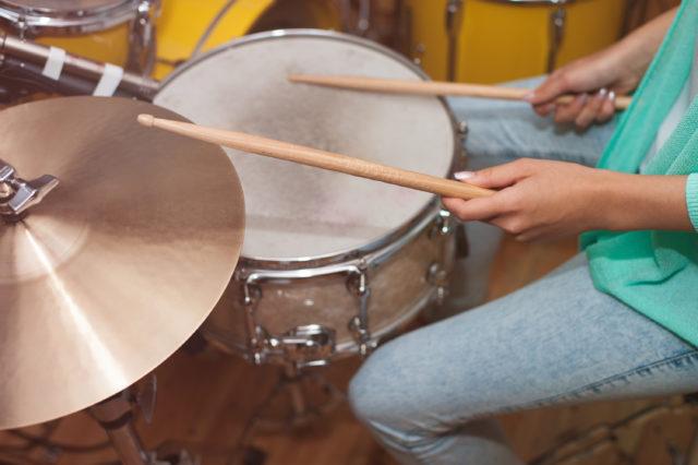 レッスンでドラム