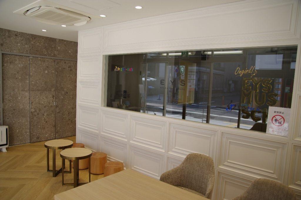 京都スタジオの待合スペース