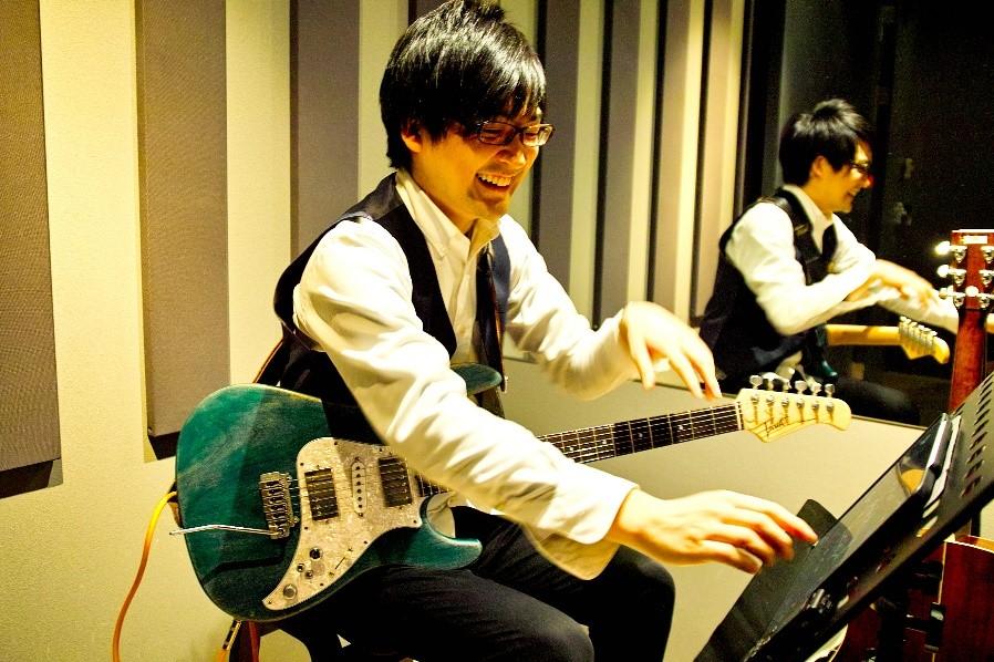 まずはカウンセリングで、どんな風にギターを弾きたいか聞きだしてくれます