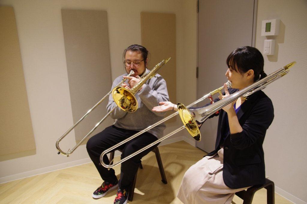 EYS音楽教室のトロンボーン無料体験レッスンの様子
