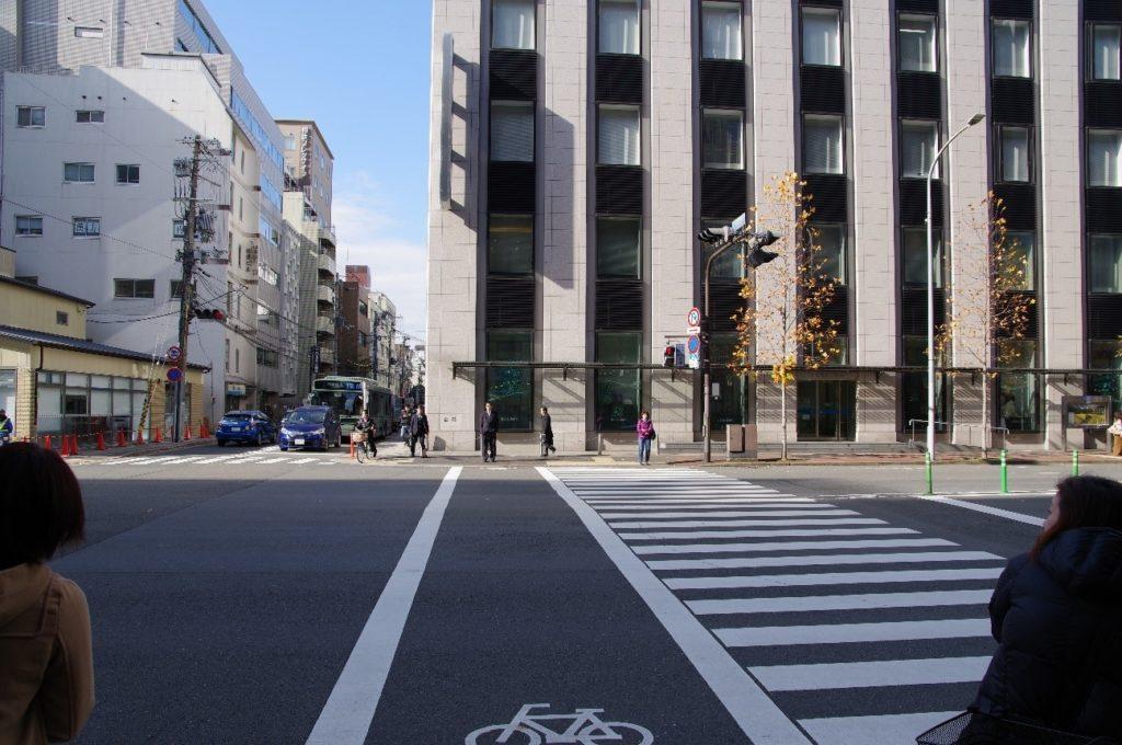 京都教室へは四条駅の3番出口を出ます