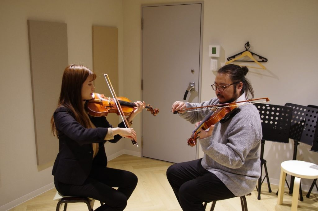 バイオリンの無料体験レッスンの一風景