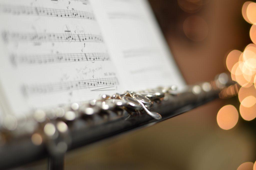 https://www.eys-musicschool.com/media/wp-content/uploads/2020/03/frame-harirak-bwluYjFgycI-unsplash-1024x683.jpg