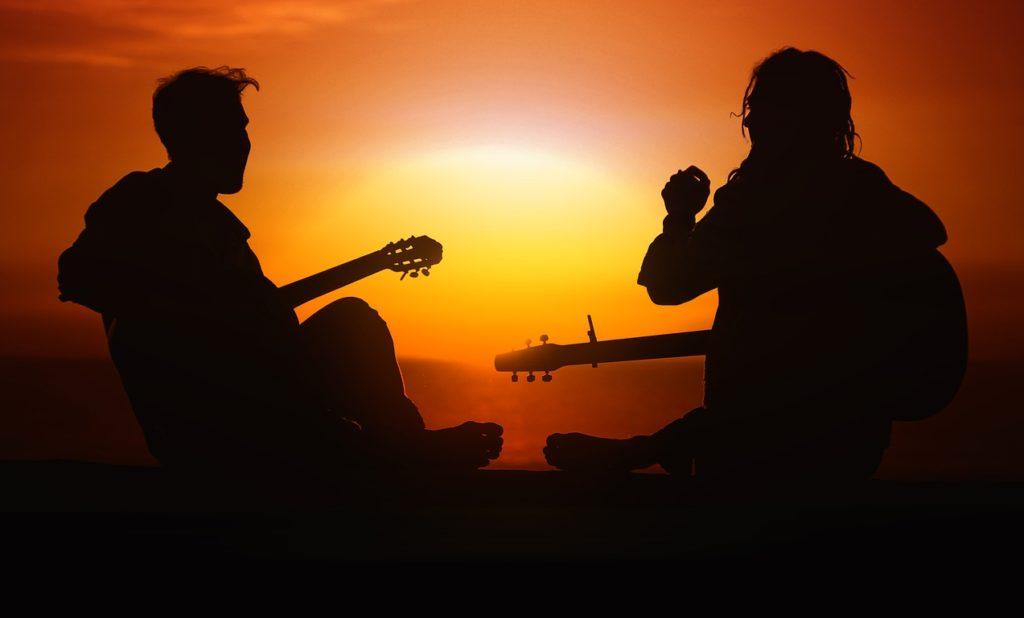 夕焼けとミュージシャン